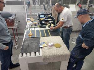 Maatwerk solid surface in de Marlan fabriek