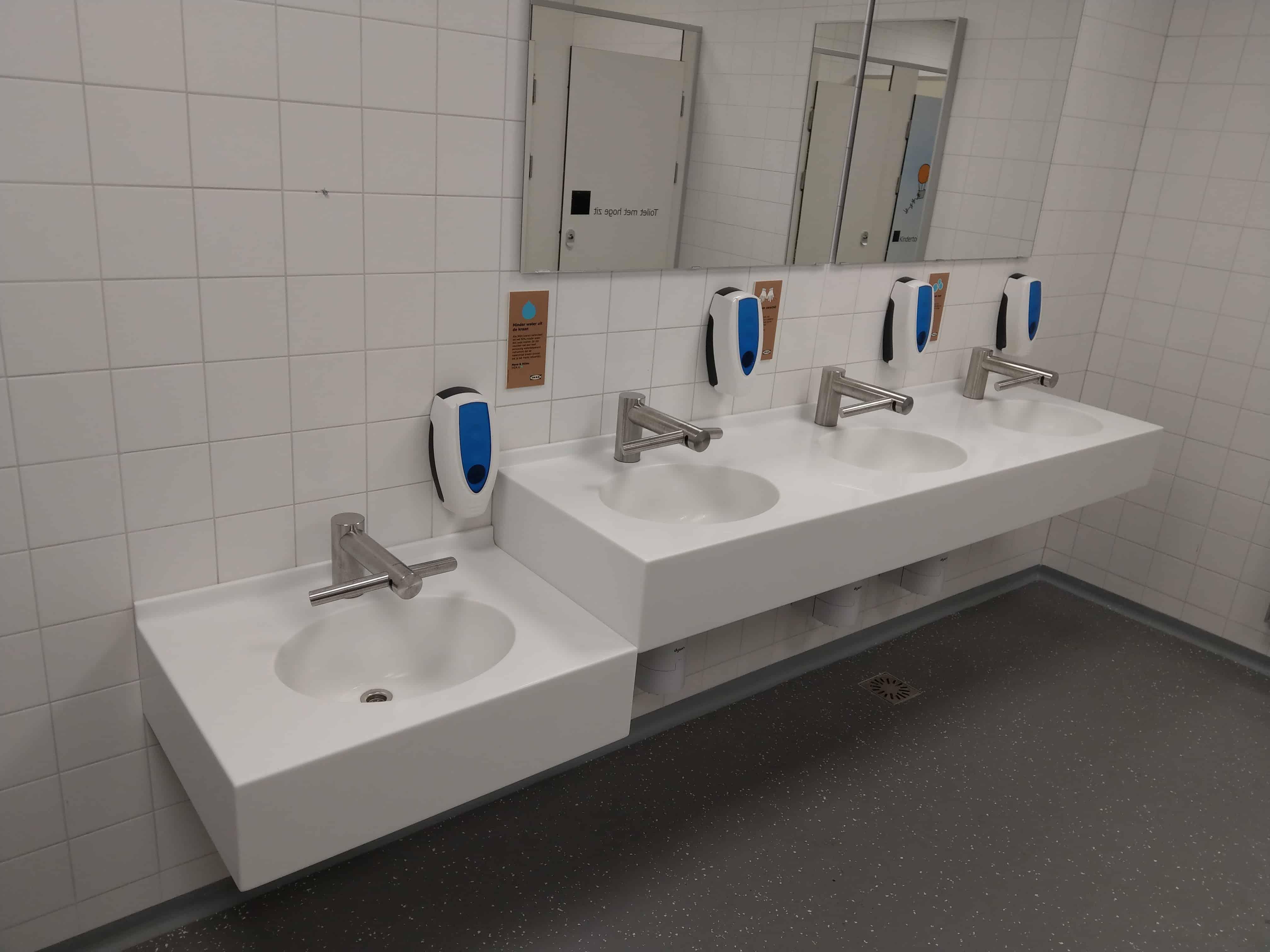 Ikea Groningen Badkamer : Wastafels in combinatie met de dyson tap geweldig succes bij ikea