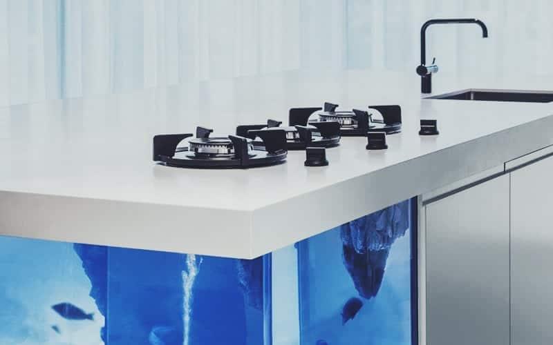 solid-surface-aanrecht-in-keuken